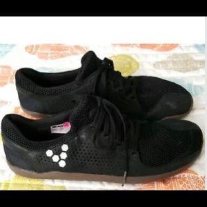 vivobarefoot Shoes - Vivobarefoot men's 8.5 Primus Trio